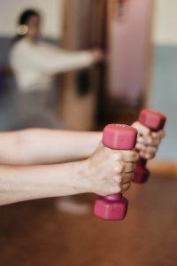 Oefeningen doen tegen pijnklachten